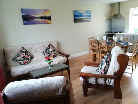 Hillside Cottage Apartment 1