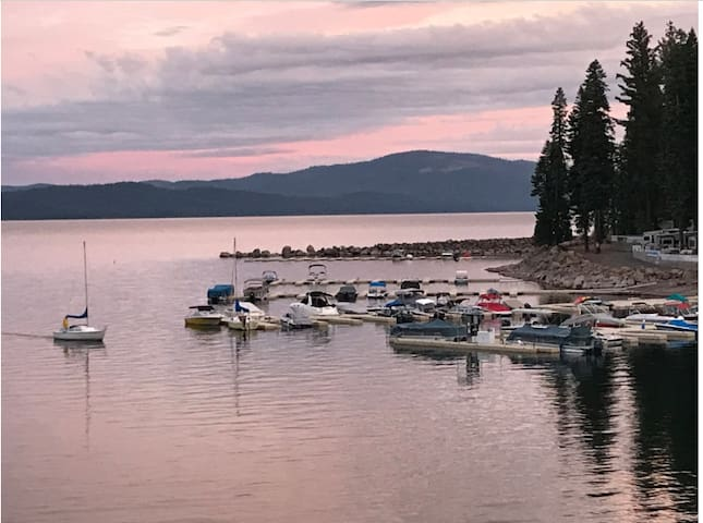 Lake Almanor Lakefront Cabin for Rent