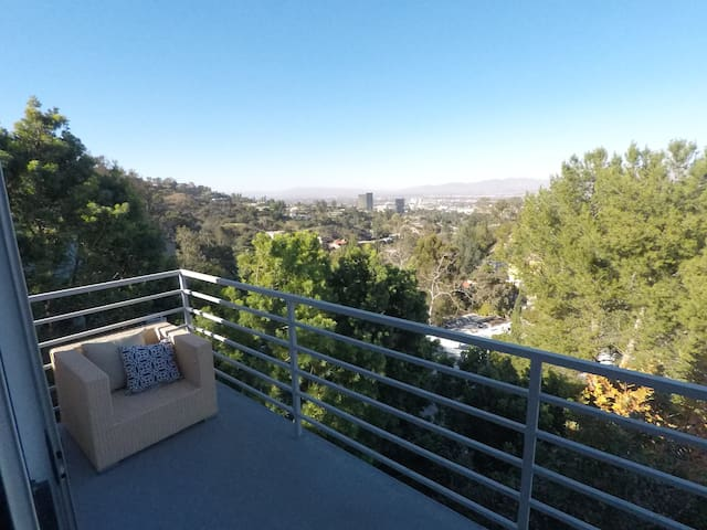 Mark Wahlberg's former Hollywood Hills Pad 3Bed - Los Angeles - Hus