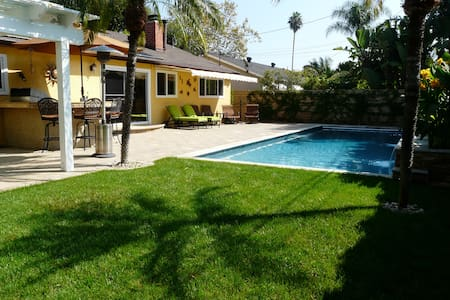 Californian Resort Style 4 Bd Villa - North Tustin