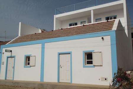 Kaza Tropikal guesthouse Room 2 - Vila do Porto Ingles