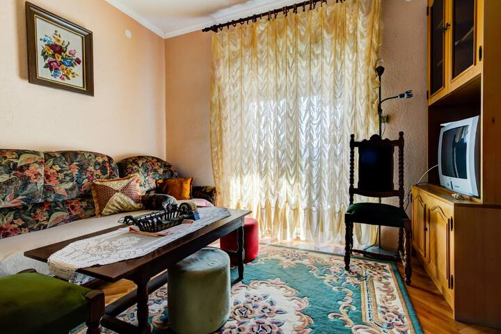 One Bedroom Ceho Apartment with Private Terrace
