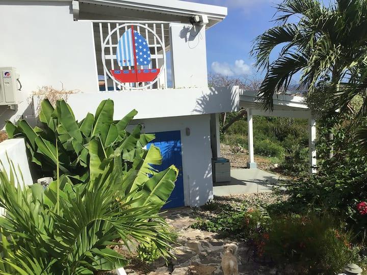 Tropical Gardon Studio Apartment, Cowpet Bay House