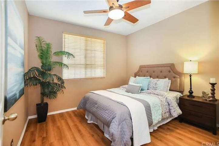 Easy Short term Room Rental - 14 to 90 Days