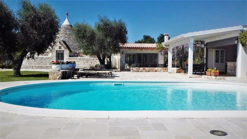 Spectacular 3 bed Trulli in Puglia w/Private Pool