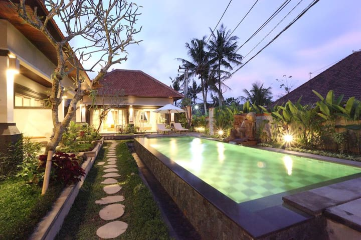 6BR Quite Private Villa close to Ubud Center