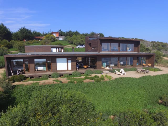 Beach House in Salinas de Pullally - Valparaíso - Dům