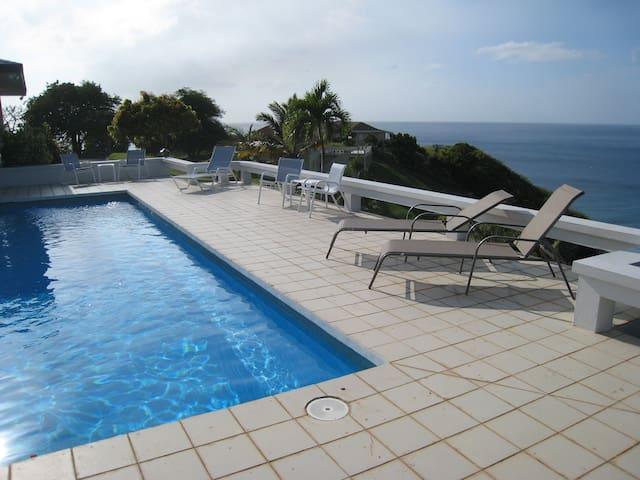 Isles Bay Villa - Garibaldi Hill - Vila
