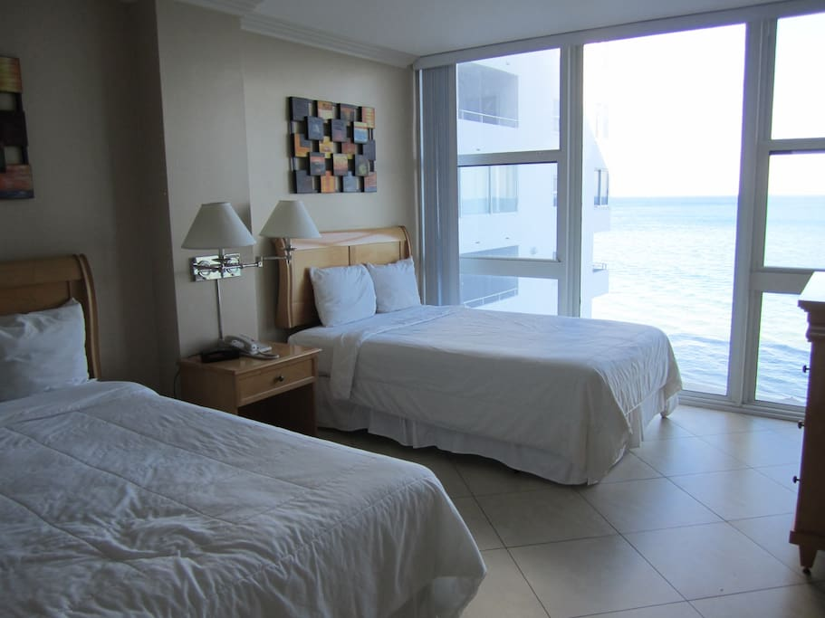Bedroom/ Direct Ocean View