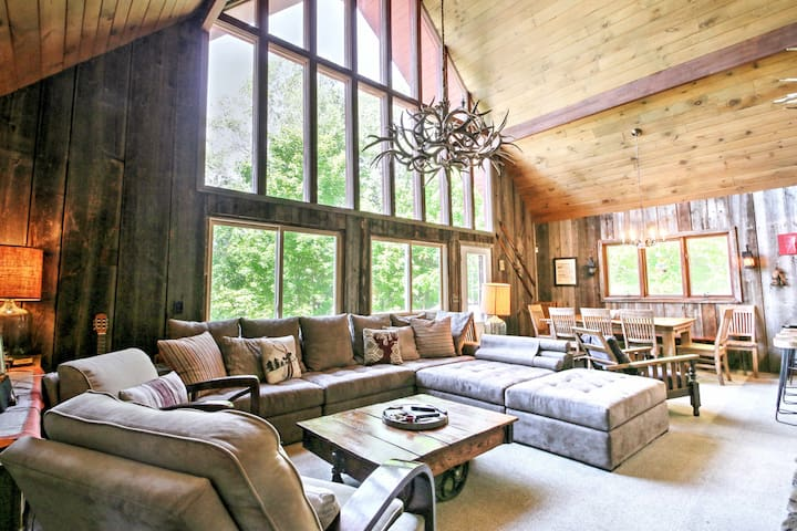 The property boasts 1,800 square feet of living space.
