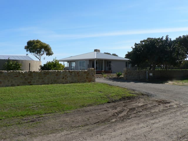 Hampshire Vineyard Bed & Breakfast - Aldinga - Bed & Breakfast