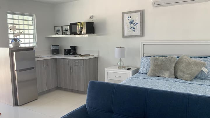 Beautiful studio for layover close airport&beach