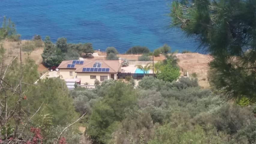 Villa Morfo - Pomos - Talo