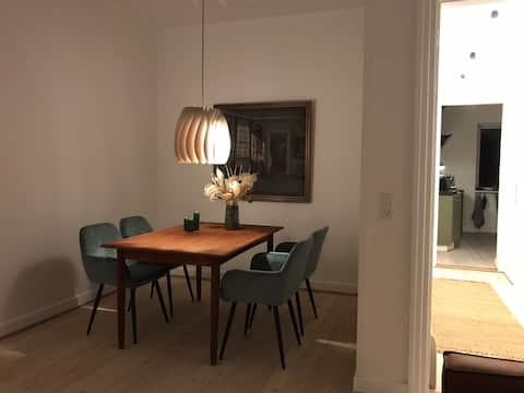 Nyrenoveret lejlighed i centrum af Nykøbing F