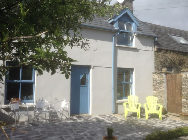 """Lovely Cottage"" Skibbereen West Cork Ireland"