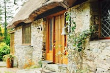 The front door side of Glengarriff Lodge