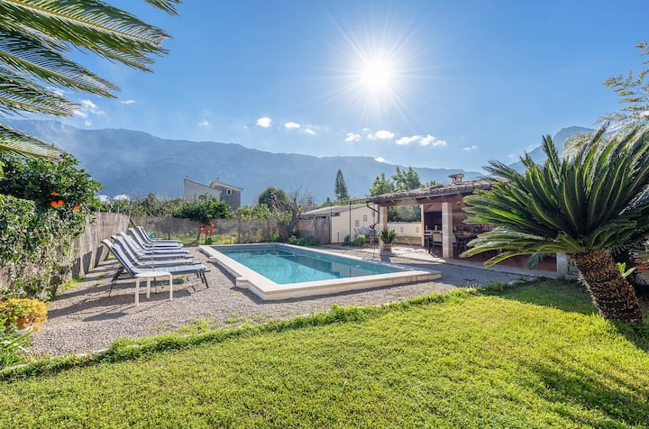 Mountain view villa w/ saltwater pool, Ping-Pong & huge terrace, near town/beach