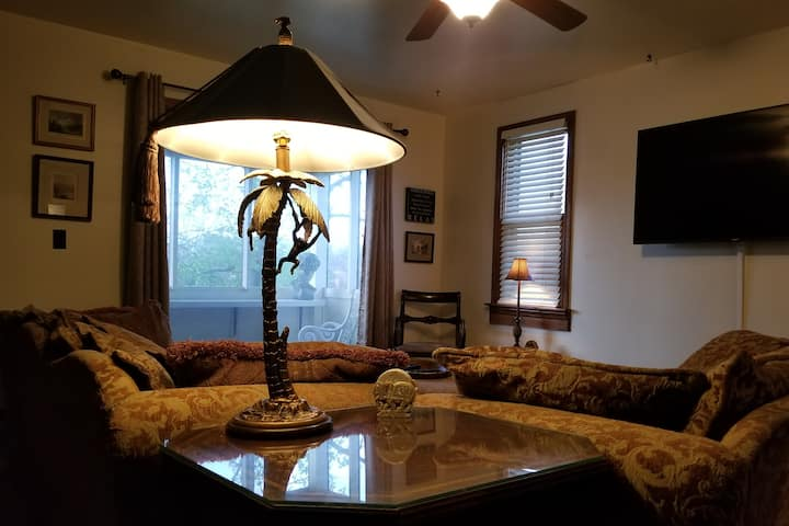 Executive Apt Mishawaka Riverwalk Perfect LongStay