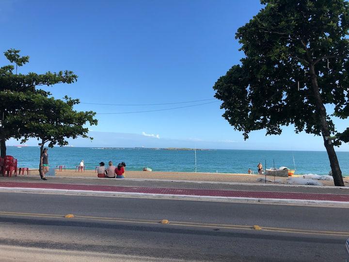 Casa em Itapuã de Frente a Praia