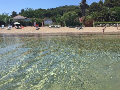 Частный пляж с видом на море dream1