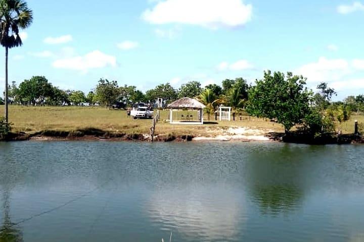 Lago Azul, ao lado do acampamento