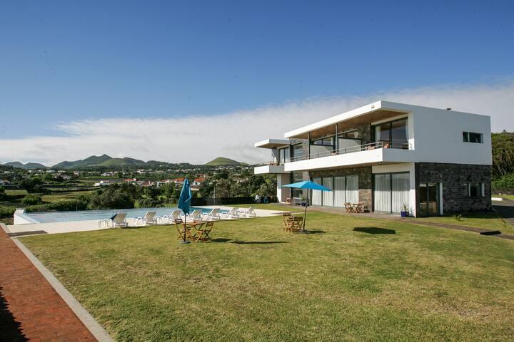 "Seaview, Charming Room for 2 ""www.lodgenaturzen"" s - Azores - ที่พักพร้อมอาหารเช้า"