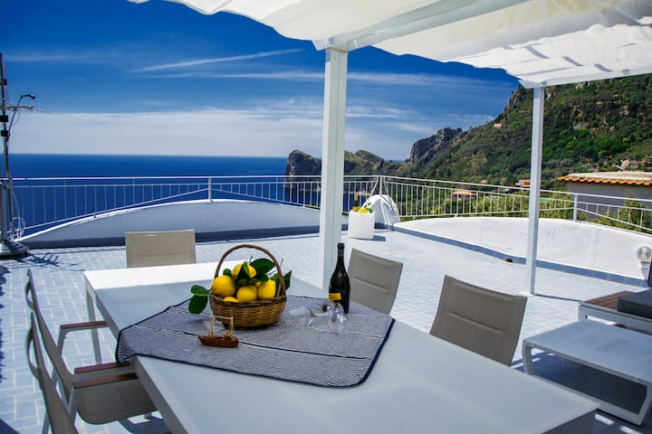 Villa Nesea ...  Your Italian Dream ...