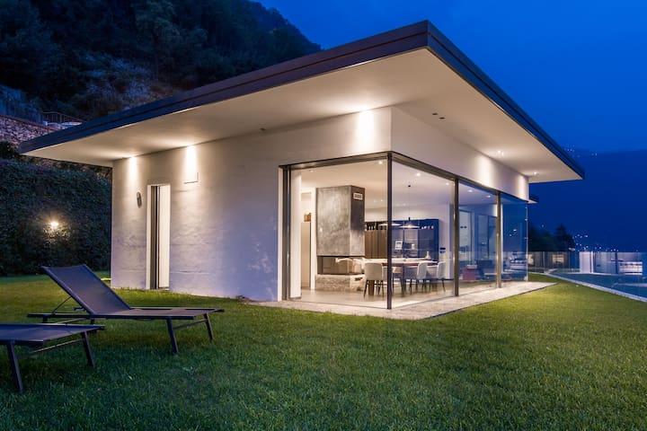 Marvellous lake destination eco-friendly villa