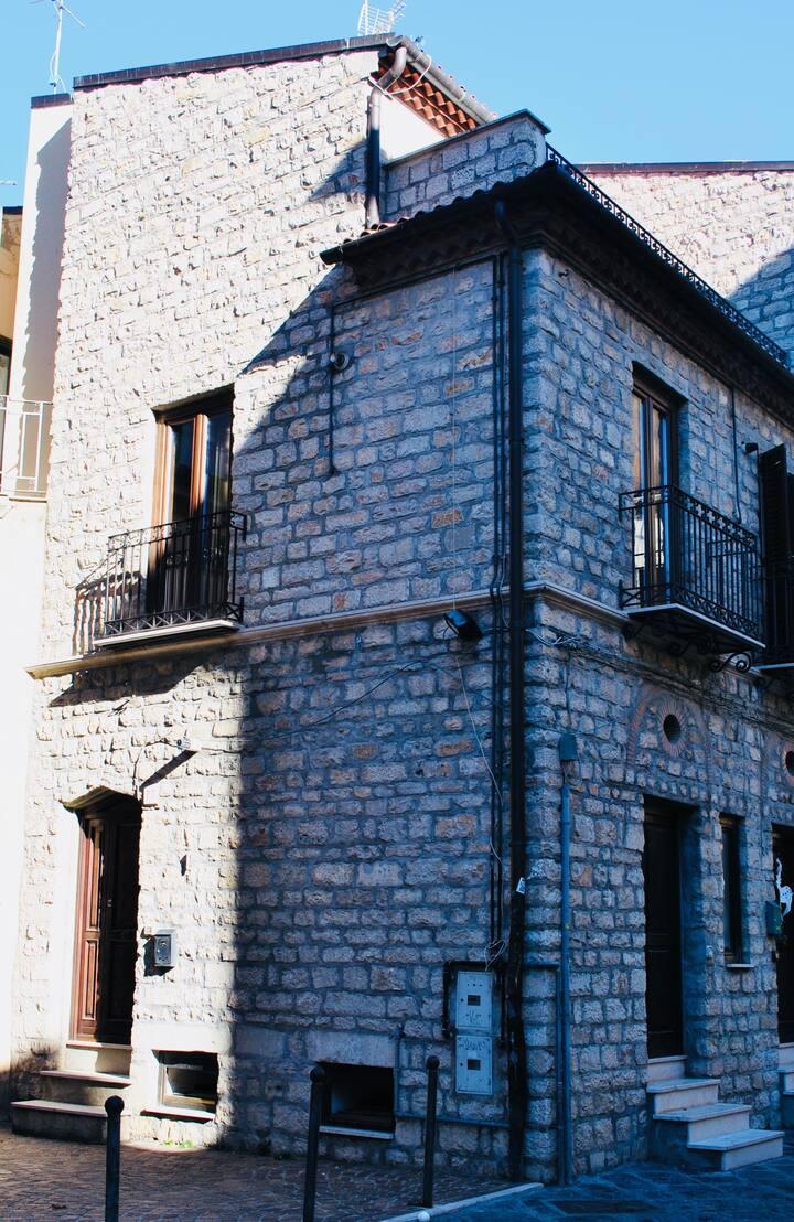 Casa cielo-terra in pieno centro storico