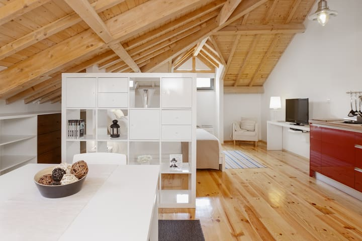 WIDE & GORGEOUS STUDIO - Porto - Loft