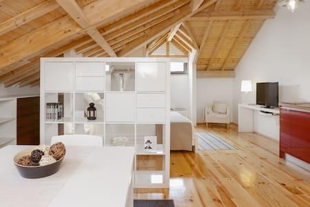WIDE & GORGEOUS STUDIO - Porto