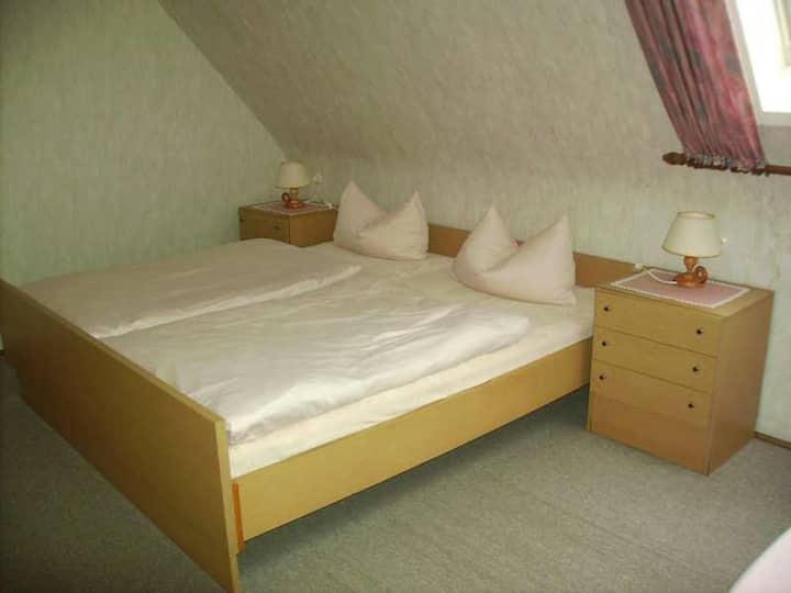 Gasthaus Schwert, (Seelbach), Doppelzimmer mit Etagen-Dusche und Etagen-WC