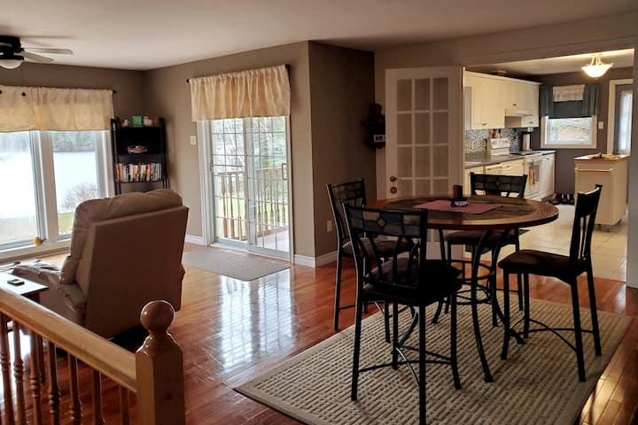 Spacious lakehouse with A/C,  2 bedroom, peaceful