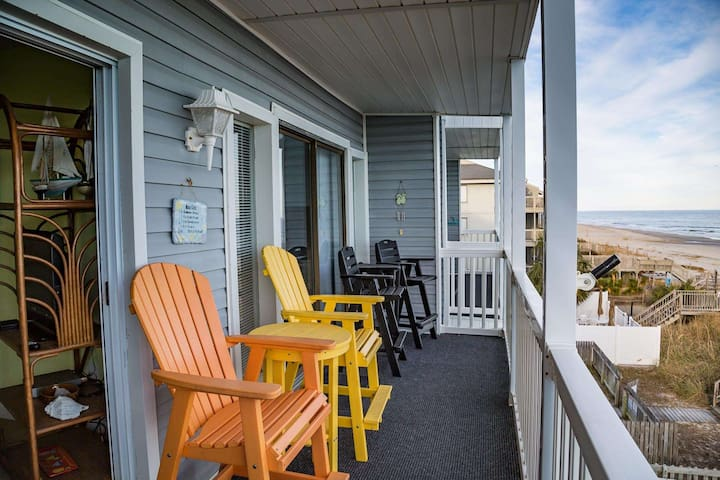 Well Updated Three Bedroom, One of Only Nine, with Elevator.  Beach Tents OK Here! - Surfside Beach - Apartament
