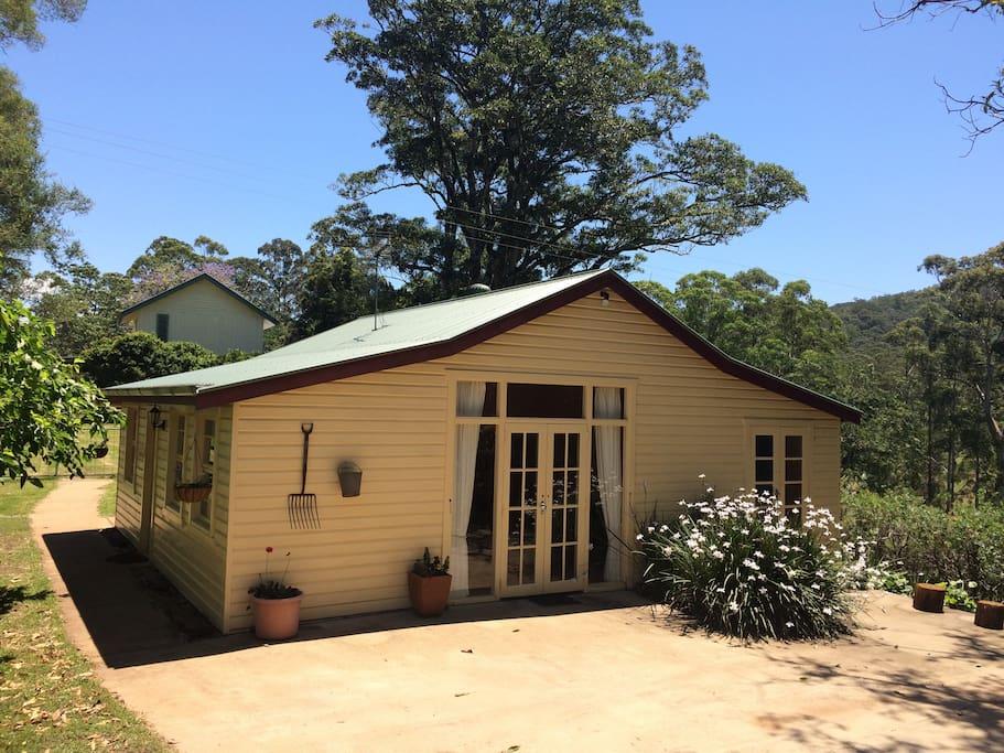 The cottage jingi walla farmstay bungalow in affitto a for Piani casa del sud del cottage