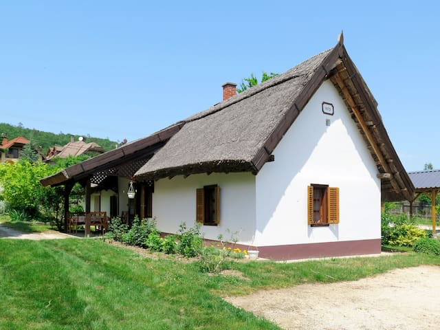 Holiday House Szijartó in Balatongyörök