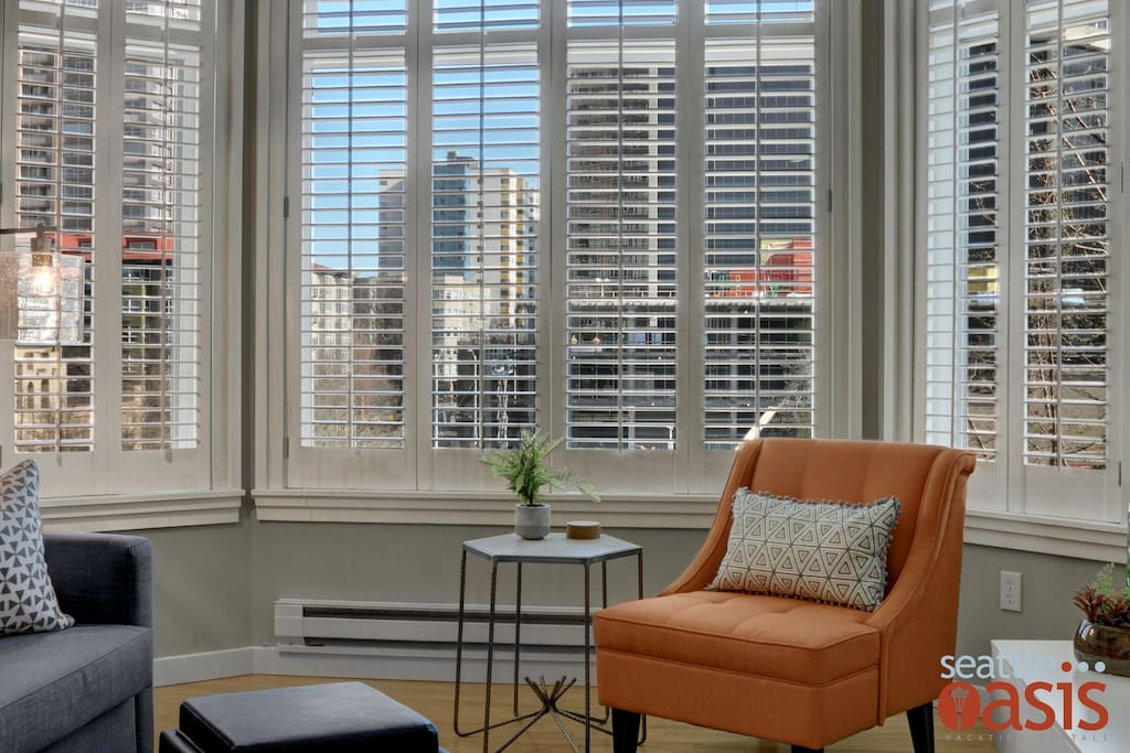 Enjoy a great view of downtown Seattle from the comfort of the living room.