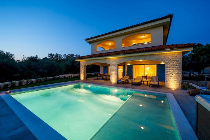 Luxury Villa Loma 1