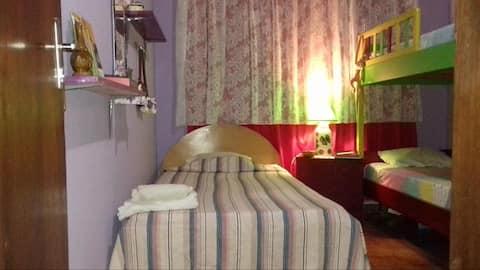 Kambuchi House - Hohenau. Green Room.