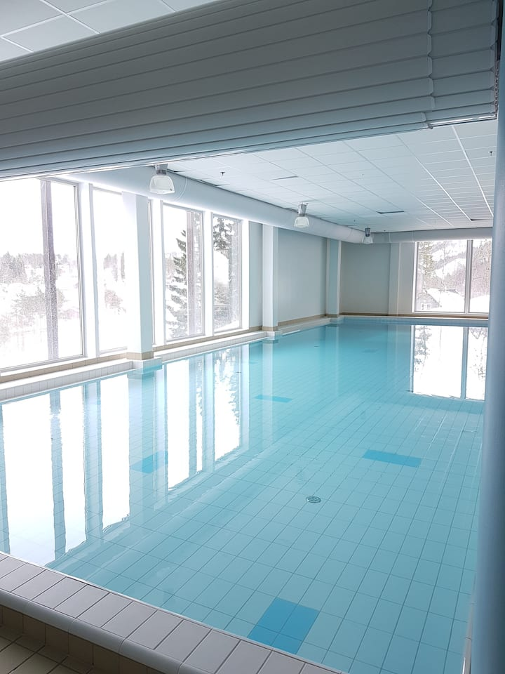 Nær Trolltunga, swimmingpool, Folgefonna icebree