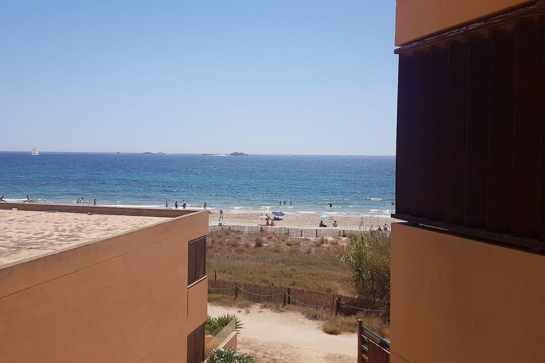 Habitacion con baño privado en playa d'en bossa