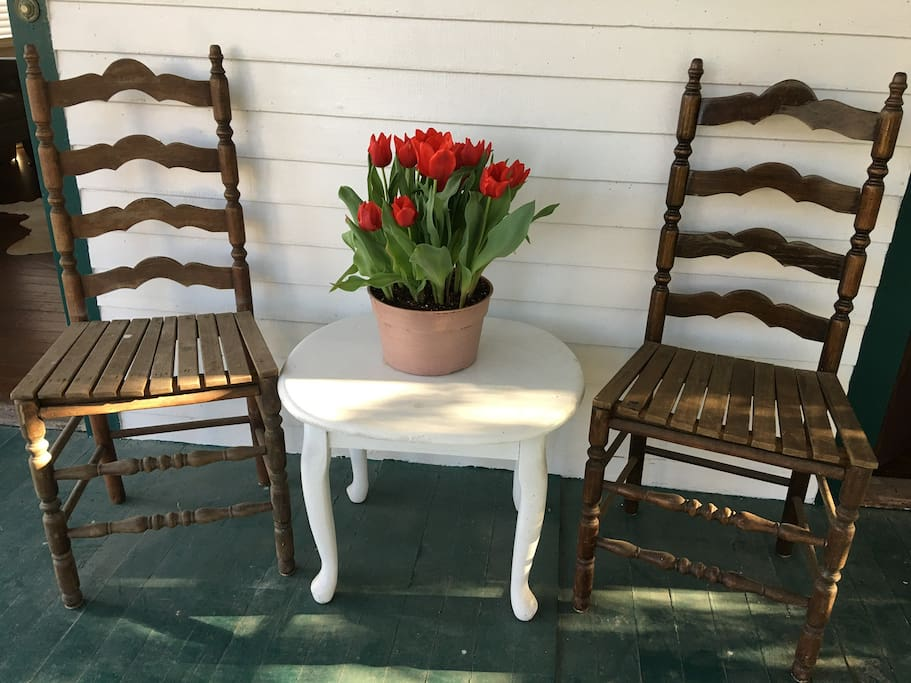 Have morning coffee or evening cocktails from one of our vintage chairs, bench or comfy wooden swing.