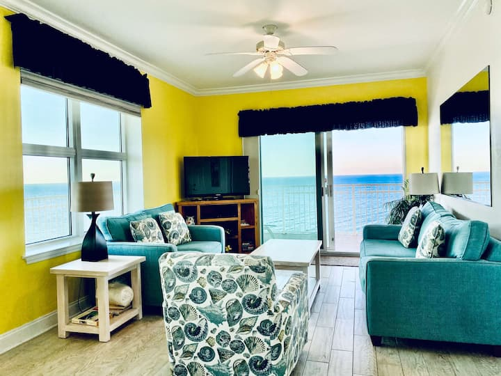 Crystal Shores 1301 -Beautiful Corner Condo w/New floors & paint! Gorgeous Views