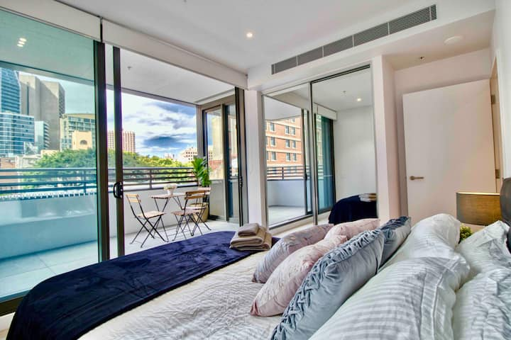 Superb 2br Darling Harbour: Heart of CBD & Parking
