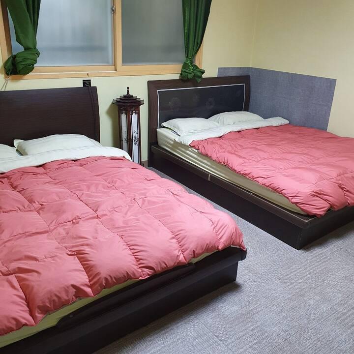 ♥Chungjeong-ro Stn 1Min.♥ Family Room #201
