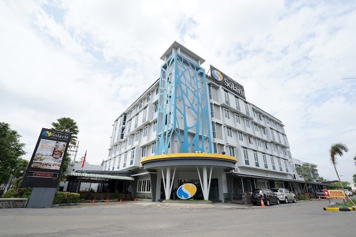 Solaris Hotel Malang - Standard Room With Breakfast