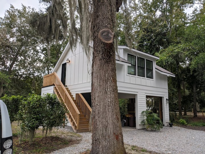 Private downtown Bluffton carriage house