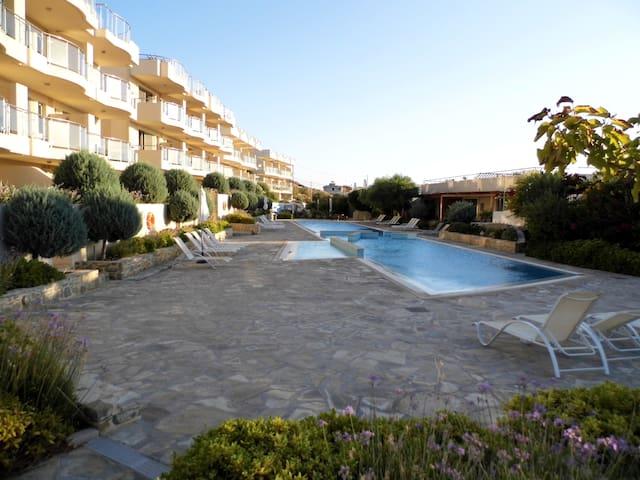 Lagada Resort Penthouse Apartment + Roof Terrace