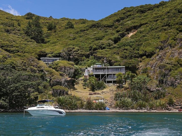 Private waterfront cove, Great Barrier Island