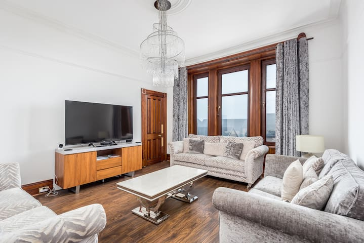Claymore Apartment, 39F Brook St, Broughty Ferry